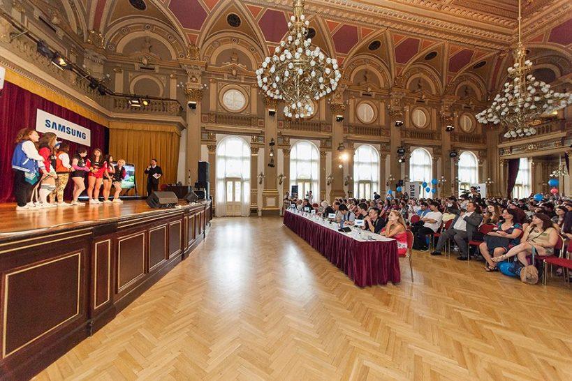 Nádherné prostory sálu Národního domu na Vinohradech